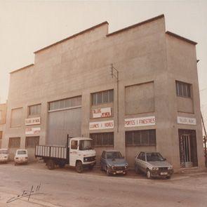 Primer taller metal·lic